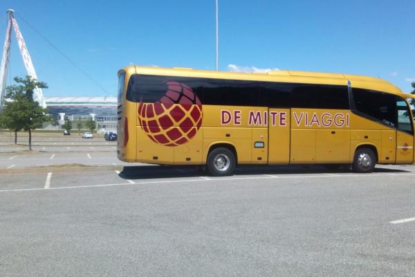 de-mite-viaggi-noleggio-auto-bus-658CF9581-4951-4EFC-6AC4-D26001217485.jpeg