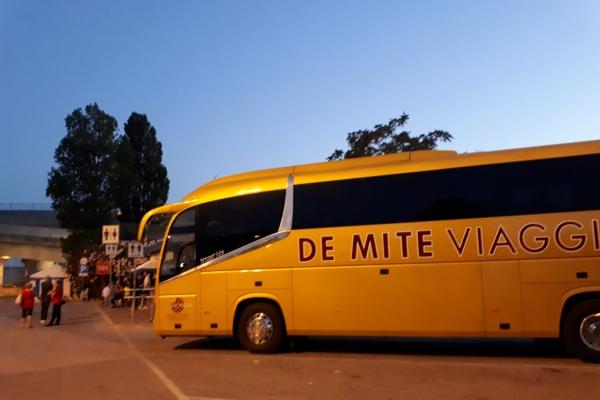 de-mite-viaggi-noleggio-auto-bus-9A83677DC-7A67-FFFA-4629-E173DD4FDD59.jpeg